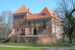 Zamek_w_Oporowie1