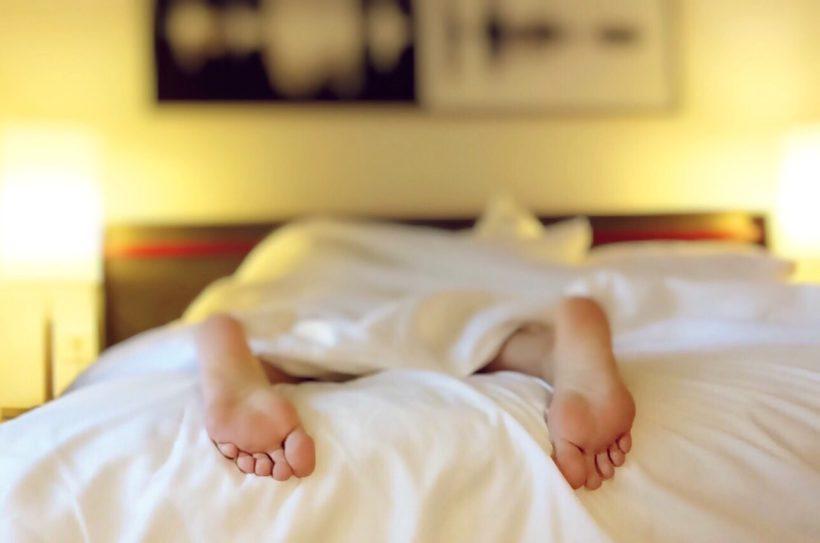 łóżko Na Spokojny I Komfortowy Sen Dla Tych Co Lubią Czytać